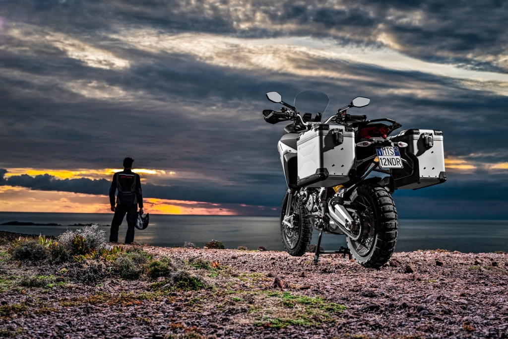 66-09 MULTISTRADA1200 ENDURO
